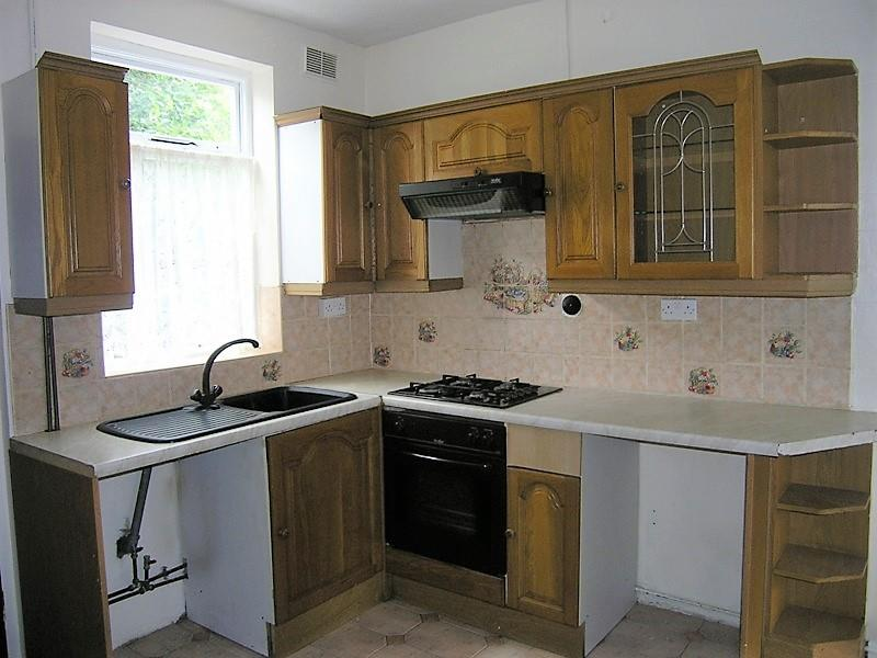 Lloyd Street 33 dining kitchen.JPG
